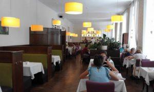 Napfényes étterem